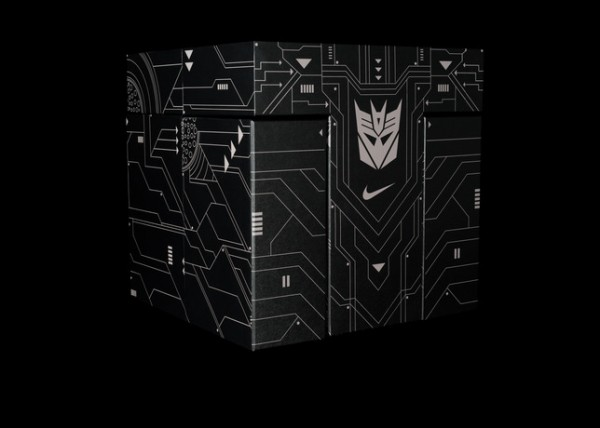 nike-Megatron-special-box-set-02-600x428